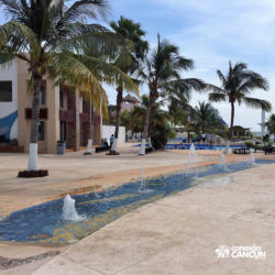 clube-de-praia-isla-discovery-catamara-dolphin-discovery-isla-mujeres-cancun-espaco-geral