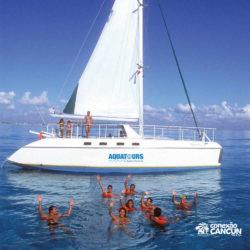 clube-de-praia-isla-discovery-catamara-dolphin-discovery-isla-mujeres-cancun-grupo-mergulha