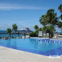 clube-de-praia-isla-discovery-catamara-dolphin-discovery-isla-mujeres-cancun-piscina