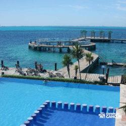 clube-de-praia-isla-discovery-catamara-dolphin-discovery-isla-mujeres-cancun-piscina-mar