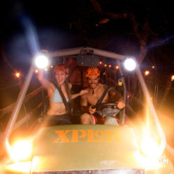 xplor-fuego-parque-cancun-carro-anfibio-trilha-noite