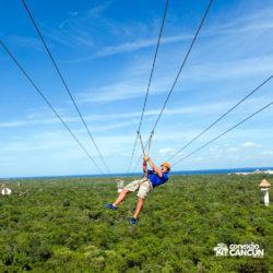 xplor-parque-cancun-homem-na-tirolesa
