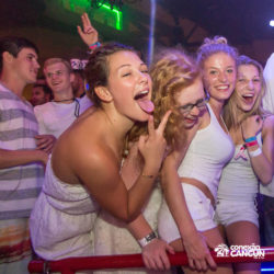 balada-noitada-boate-festa-la-vaquita-cancun-mulheres-dancando