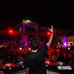 balada-noitada-boate-festa-mandala-beach-noite-cancun-vista-traseira-dj