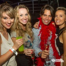 balada-noitada-boate-festa-the-city-cancun-grupo-de-amigos