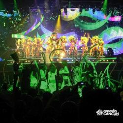 balada-noitada-festa-coco-bongo-cancun-show-no-palco