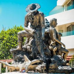clube-de-praia-caribbean-funday-isla-mujeres-cancun-estatua-pescador