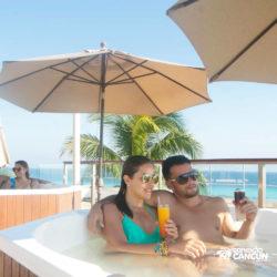 clube-de-praia-park-garrafon-dolphin-discovery-isla-mujeres-cancun-jacuzzi-area-vip