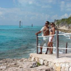 dolphin-royal-swim-vip-plus-isla-mujeres-cancun-casal-na-beira-do-mar