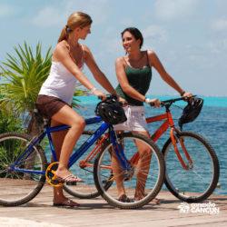 dolphin-royal-swim-vip-plus-isla-mujeres-cancun-mulheres-de-bicicleta