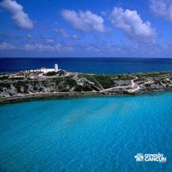 parque-garrafon-dolphin-discovery-royal-swim-vip-plus-isla-mujeres-cancun-visao-aerea-da-ilha