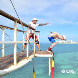 aventura-bungee-jump-extreme-adventure-bay-cancun-homem-quase-pulando