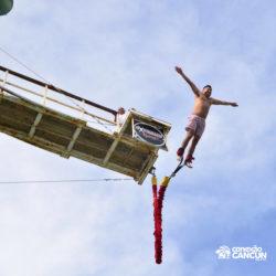 aventura-bungee-jump-extreme-adventure-bay-cancun-visao-inferior-do-salto