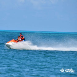 aventura-jet-ski-wave-runner-adventure-bay-cancun-alta-velocidade