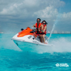 aventura-jet-ski-wave-runner-adventure-bay-cancun-casal
