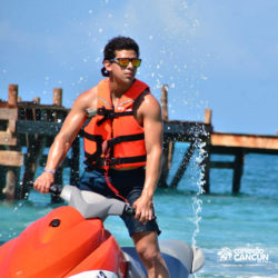 aventura-jet-ski-wave-runner-adventure-bay-cancun-homem