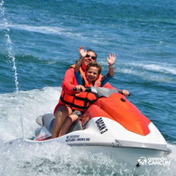 aventura-jet-ski-wave-runner-adventure-bay-cancun-pai-e-filho