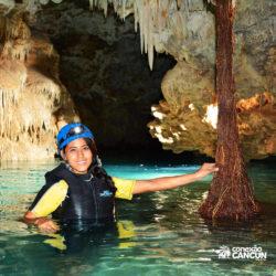 aventura-rio-secreto-cancun-mulher