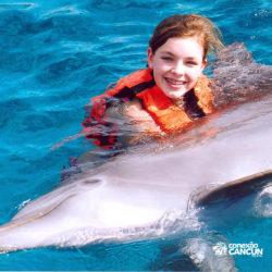 dolphin-discovery-catamara-encontro-golfinho-isla-mujeres-cancun-abraco