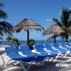 dolphin-discovery-catamara-swim-adventure-isla-mujeres-cancun-cadeira-praia