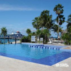 dolphin-discovery-catamara-swim-adventure-isla-mujeres-cancun-piscina