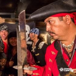 espetaculos-captain-hook-cancun-ator-com-a-espada