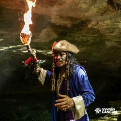 espetaculos-captain-hook-cancun-ator-com-fogo