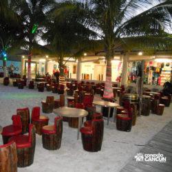 espetaculos-captain-hook-cancun-mesas-do-restaurante