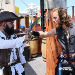 espetaculos-jolly-roger-barco-pirata-isla-mujeres-cancun-pelea-barba-negra