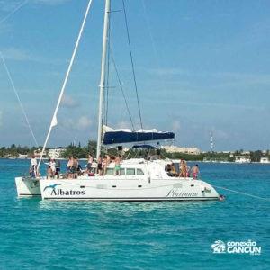catamarã utilizado no albatroz sail plus